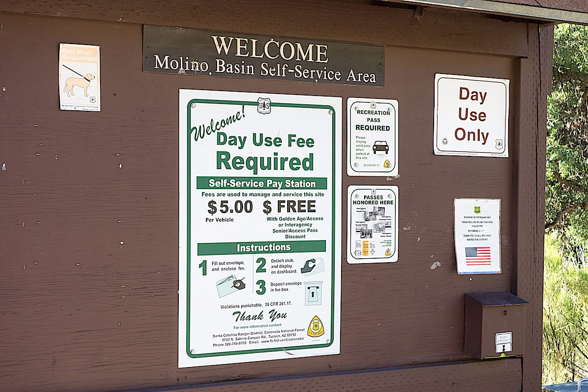 No Fee Arizona Trail Parking Signs. September 2014.